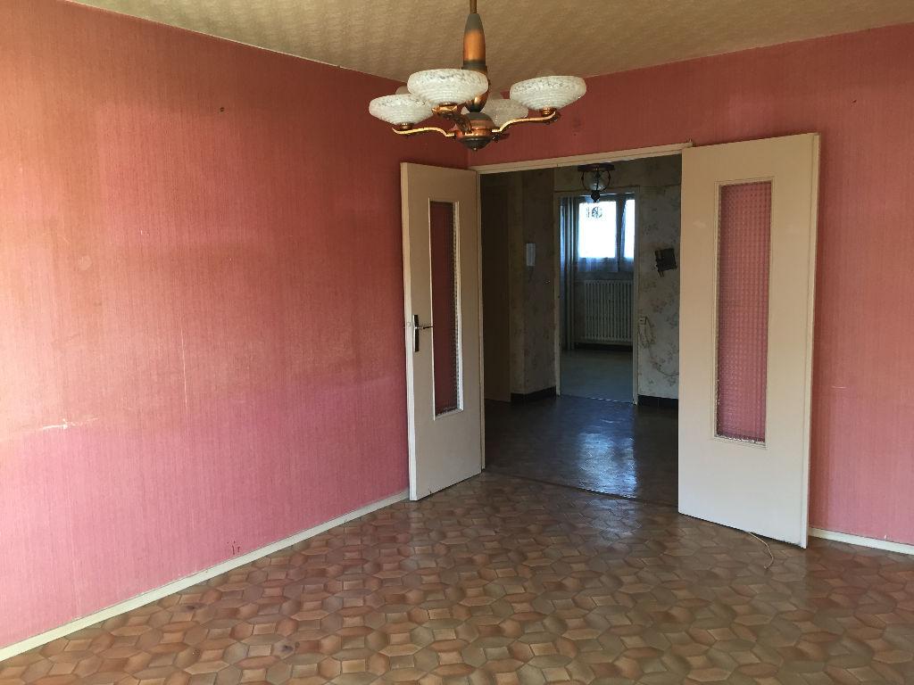 Achat vente appartement saint etienne appartement a for Garage tardy saint etienne